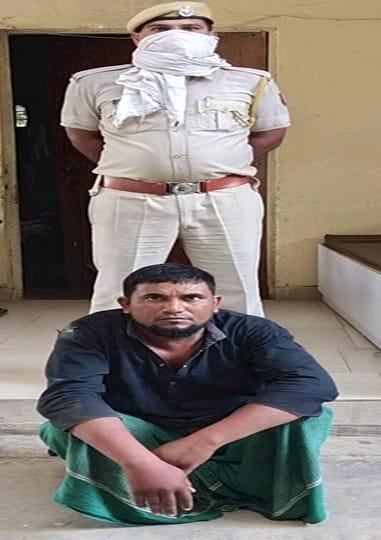 राजस्थान/भिवाड़ी:गाय को काट गौमांस बेचने निकला तस्कर गिरफ्तार, 80 किलो गौमांस सहित बाइक जब्त
