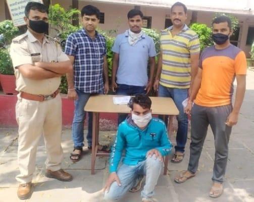 राजस्थान/बारां:स्कॉर्पियो सवार एमपी के बदमाश को दबोचा, पिस्टल बरामद